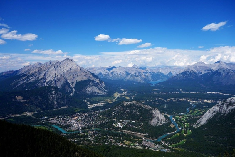 Pohled ze Sulphur Mountain na Banff
